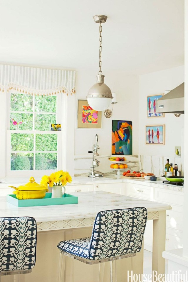 Pop of color kitchen Refreshing Summer Decoration Ideas To Give You Most Entertaining Space