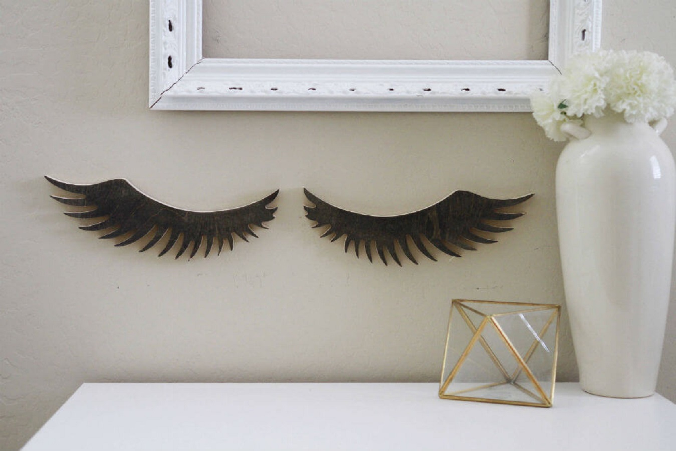 Girly wood eyelashes cutout https://homebnc.com/best-etsy-bathroom-accessories-ideas-to-buy/