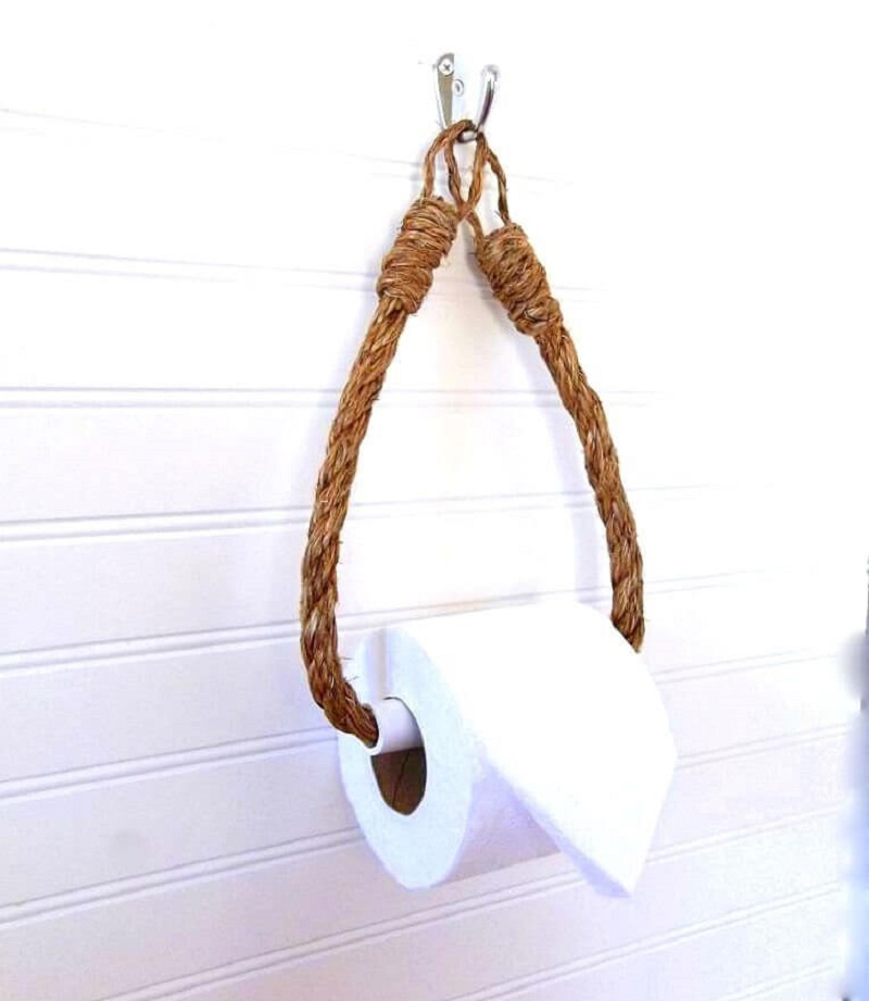 Hydrangea hill vintage rope toilet paper holder https://homebnc.com/best-etsy-bathroom-accessories-ideas-to-buy/