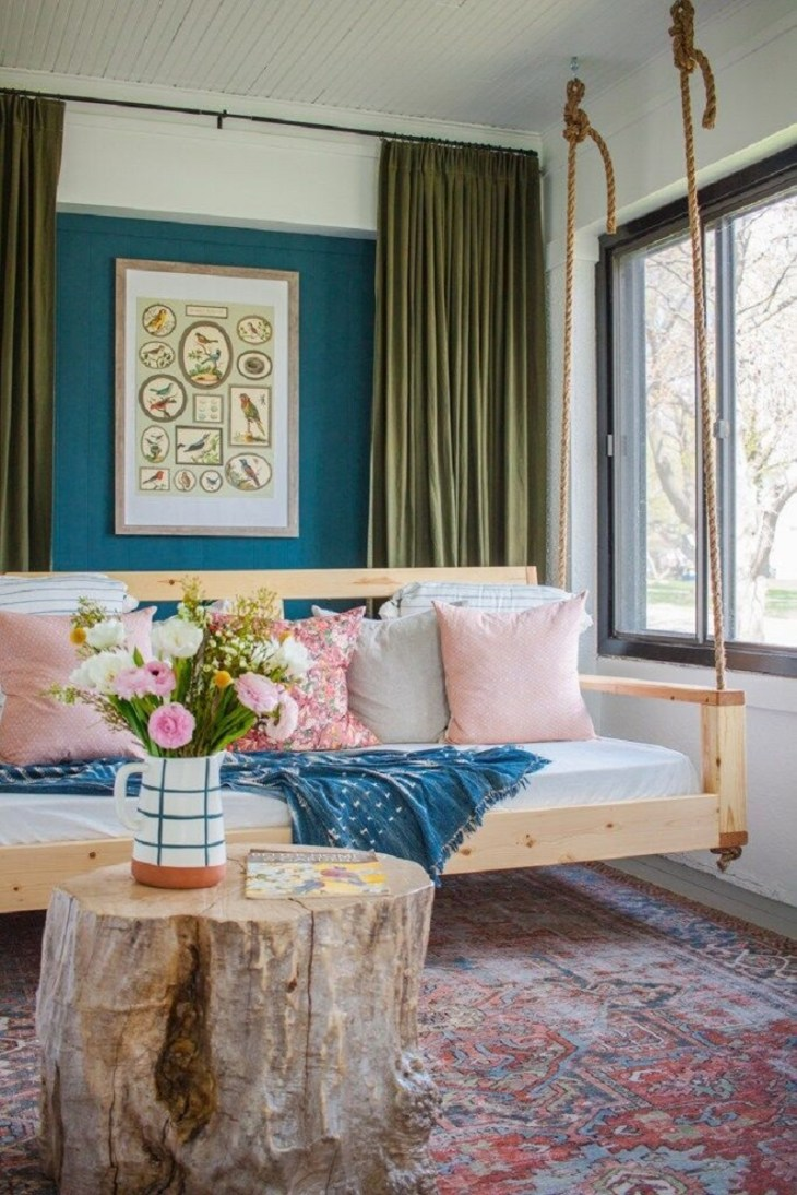 Pink and vintage-inspired sunroom Fantastic Sunroom Ideas To Soak Up The Sunlight For Your Most Enjoyable Spot At Home