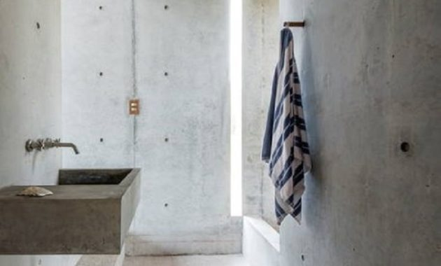 This beautiful tiny concrete house is the perfect escape to enjoy the views around 5