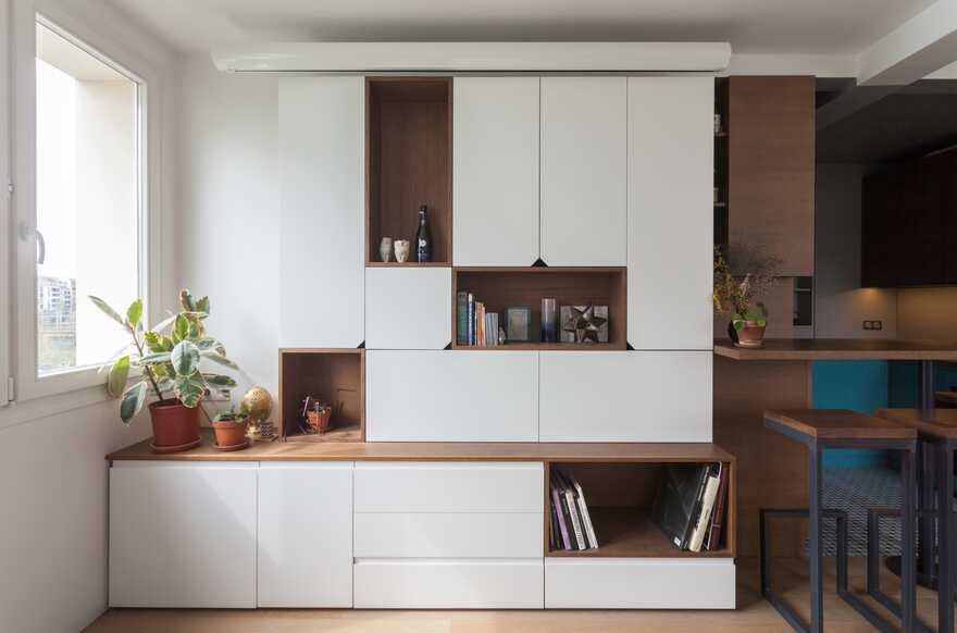 A home for a young man that done in a minimalist style without walls 2