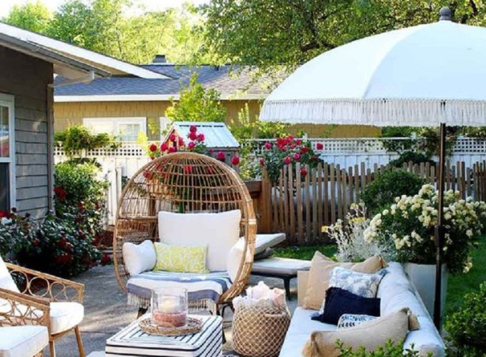Beautiful backyard decoration ideas with accessories that any one will love