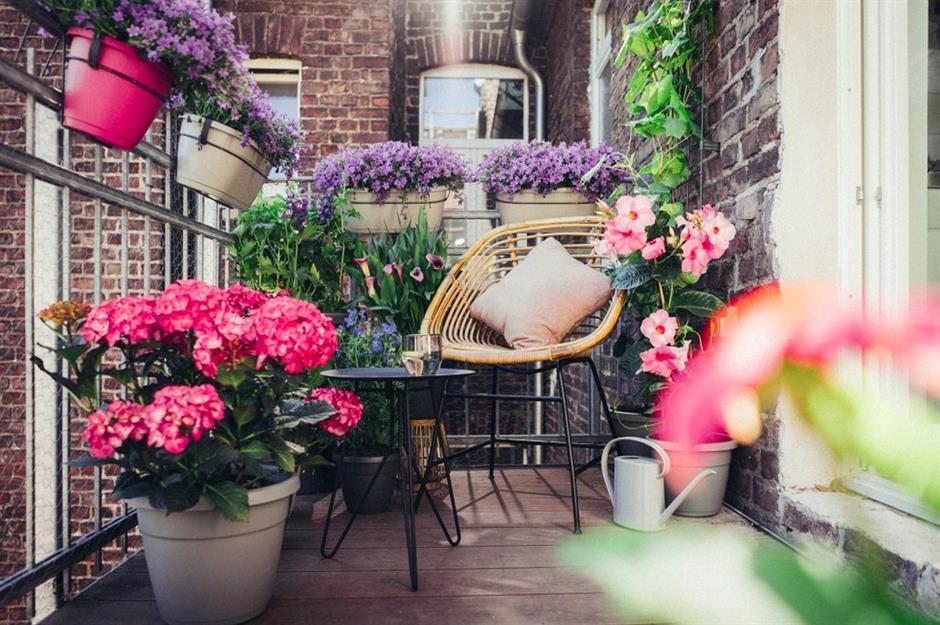 15 Cozy Chic Balcony Design Ideas