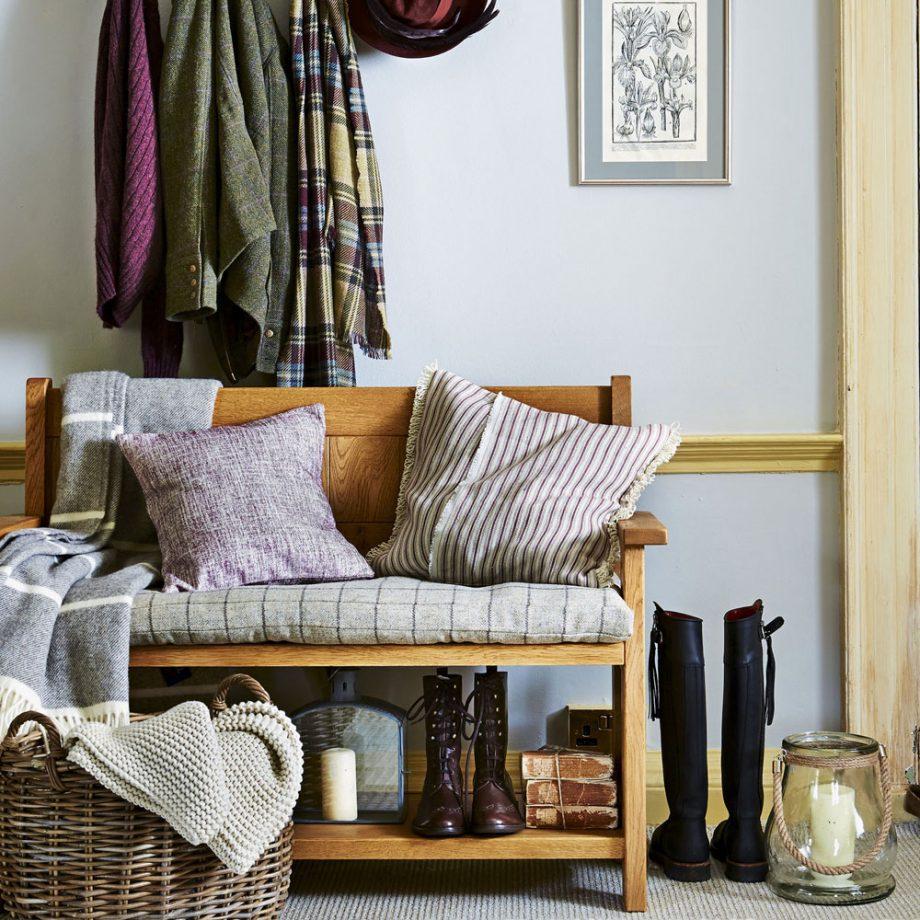 15 Beautiful Small Hallway Decor Ideas