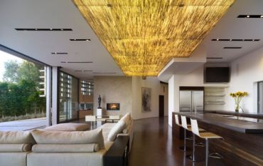 Custom-ceiling-lighting-looks-amazing-with-specially-crafted-recessed-light-slots
