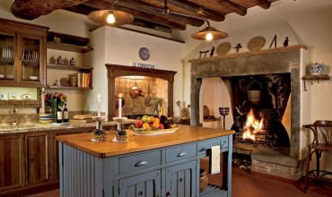 Kitchen-with-fireplace-and-wood-burning-stove_img1
