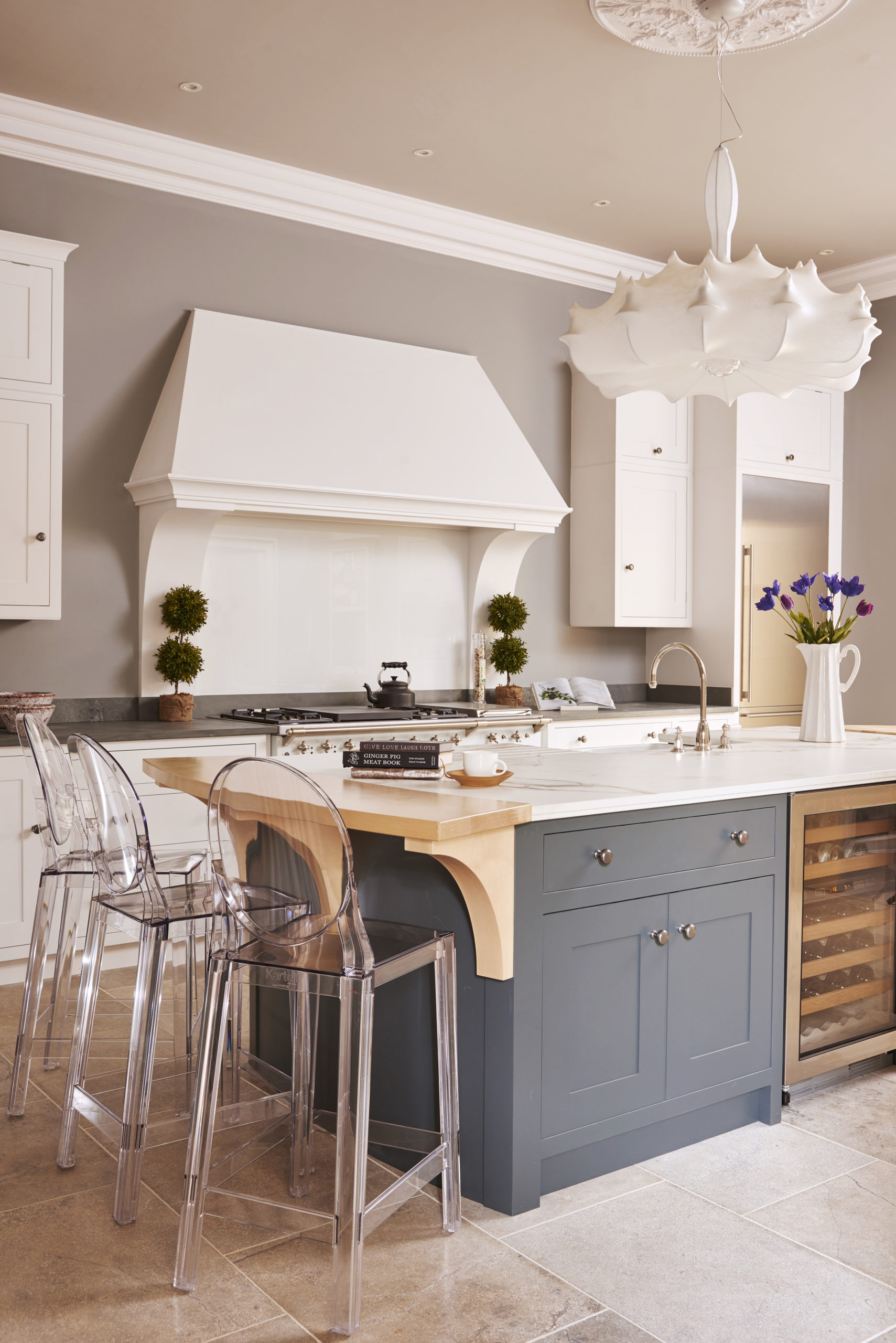 Kitchen Island Ideas to Make It a Focal Point and Functional