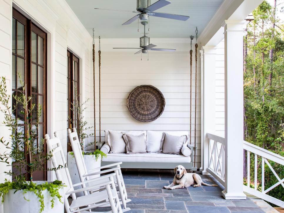 Simple Ways to Get a Comfortable Outdoor Space Decoration