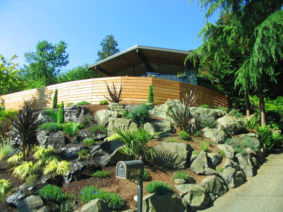 Create a Different Look In Your Yard By Making a Rock Garden