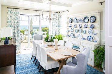Every-beach-style-dining-room-requires-the-right-amount-of-natural-light-768x512