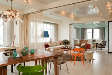 Stylish-sheer-curtains-help-demarcate-spaces-in-an-open-floor-plan