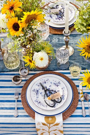 Country-til-the-cows-come-home-farm-table-setting-0918-1535398018