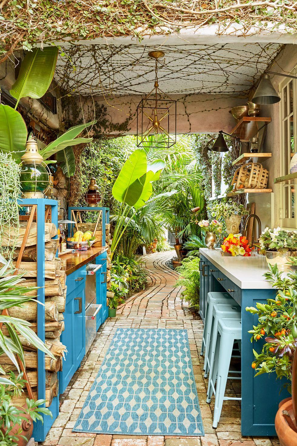 Minimalist Modern Kitchen Design Ideas in The Backyard