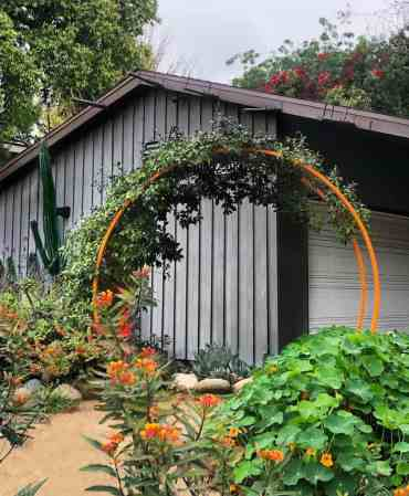 Garden-arch-garden-trellis-ideas-terrasculpture-1264x1536