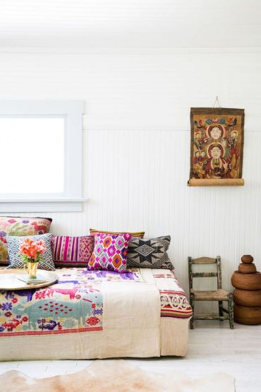 Low-seating-furniture-in-boho-living-room