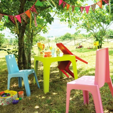 Colorful-seating-outdoor