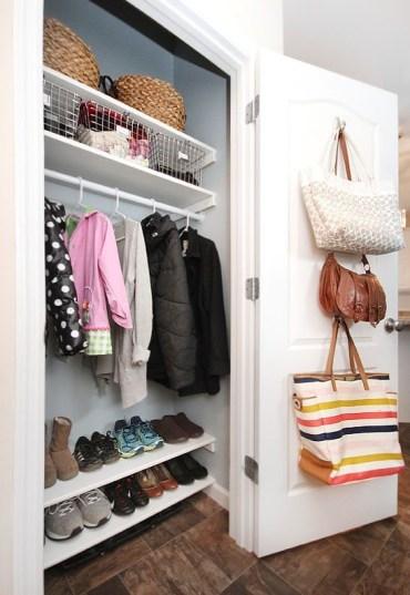 Tote-bags-on-door-1574816082