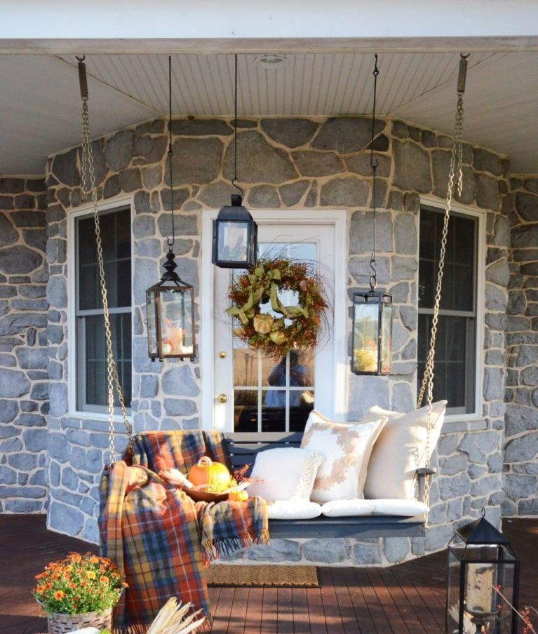 4 Tips to Decorate Your Outdoor this Fall