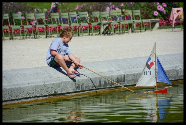 Play with Sailboats at Luxembourg Gardens