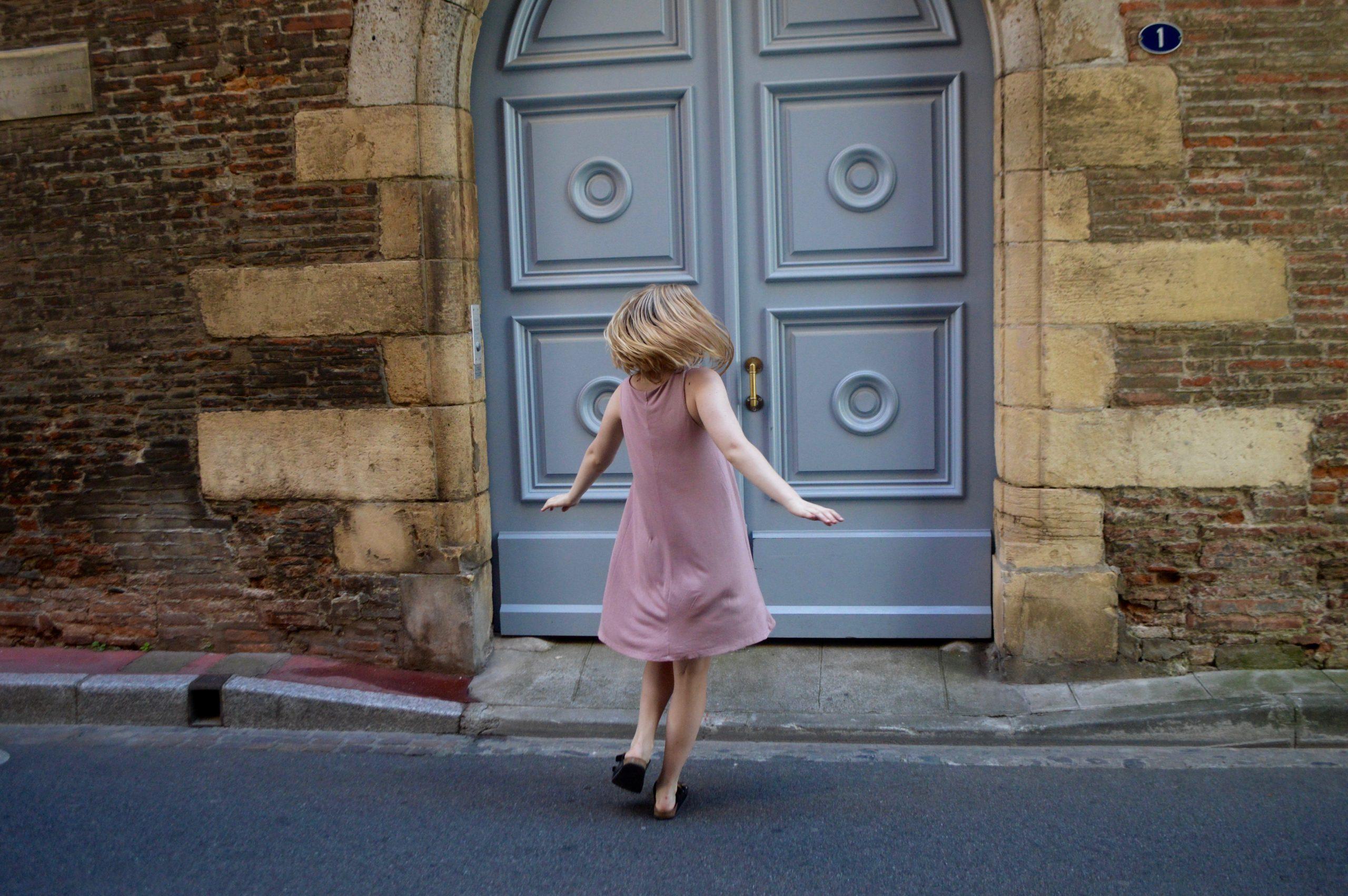 Carmes Toulouse France H&M dress spin