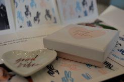 Good Vibes Fringe Heart Plate Greetabl Gift Box Round Trip Travel