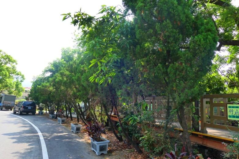 往竹山神社遺跡的大馬路 | Takeyama Shrine | Zhushan | Nantou | RoundtripJp