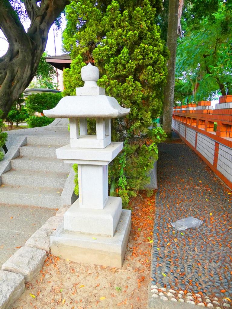鹽水神社石燈籠 | 鹽水國民小學內 | えんすいじんじゃ | 台南市 | Tainan | RoundtripJp