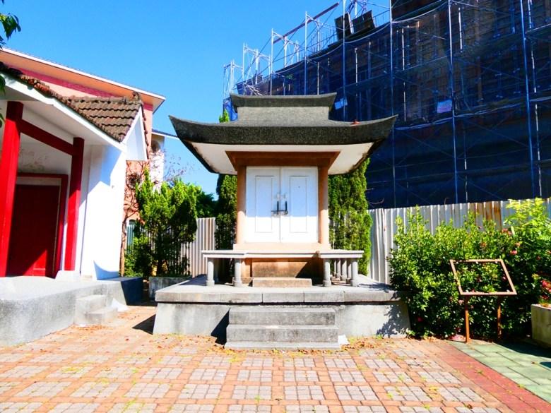御真影奉安殿 | 校舍講堂與小舞台旁 | Xinhua | Tainan | 和風臺灣 | RoundtripJp