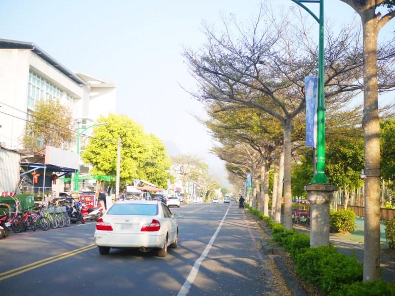 集集車站前橫向車道 | 沿線不可停車 | 有收費停車場 | 自行車租賃 | しゅうしゅうえき | 巡日旅行攝