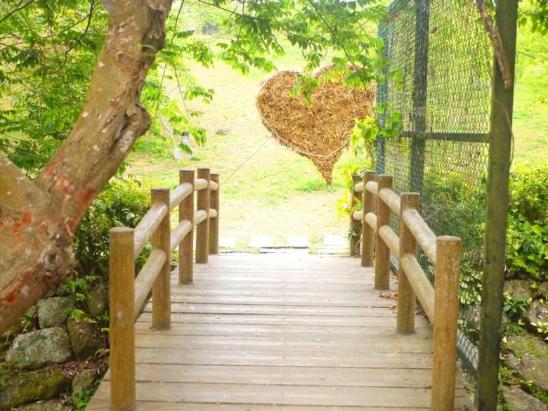 清幽的日式公園 | 自然翠綠 | 木製步道 | 綠色草皮 | ルーグー | Lugu | Nantou | RoundtripJp