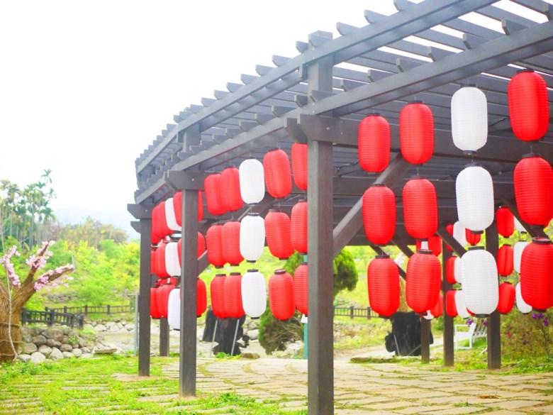 紅白燈籠 | 櫻花裝置藝術 | 綠色步道 | 櫻花公園 | 日式公園 | ルーグー | Lugu | Nantou | RoundtripJp