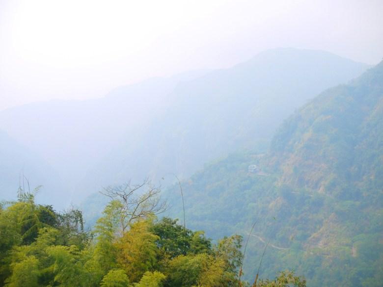 遠眺群山之美 | 臺灣山脈之美 | 青山 | 雲霧繚繞 | ジューシャン | Zhushan | Nantou | RoundtripJp