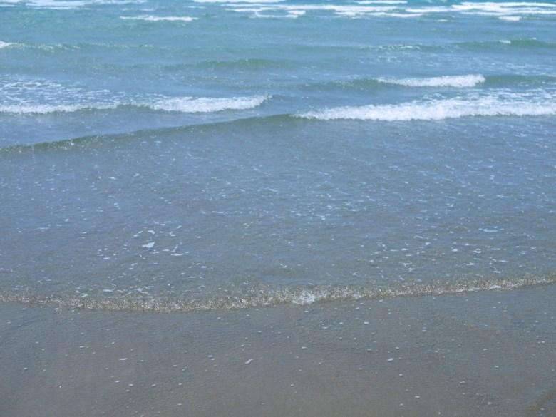 陽光沙灘大海   透明清澈的海水   苑港觀光漁港秘境海灘   ユエンリー   ミアオリー   RoundtripJp