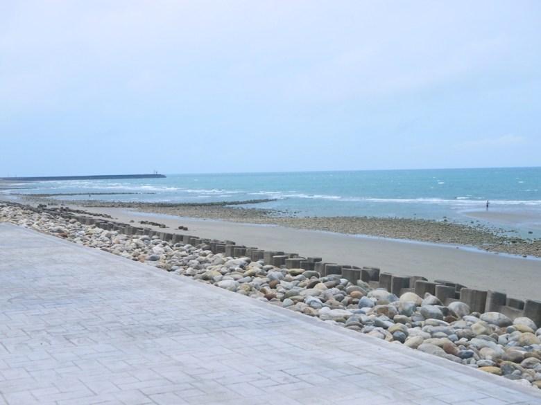 台灣旅人   藍色大海   沙灘   壯闊的大海景緻   苑港觀光漁港秘境海灘   ユエンリー   ミアオリー   巡日旅行攝