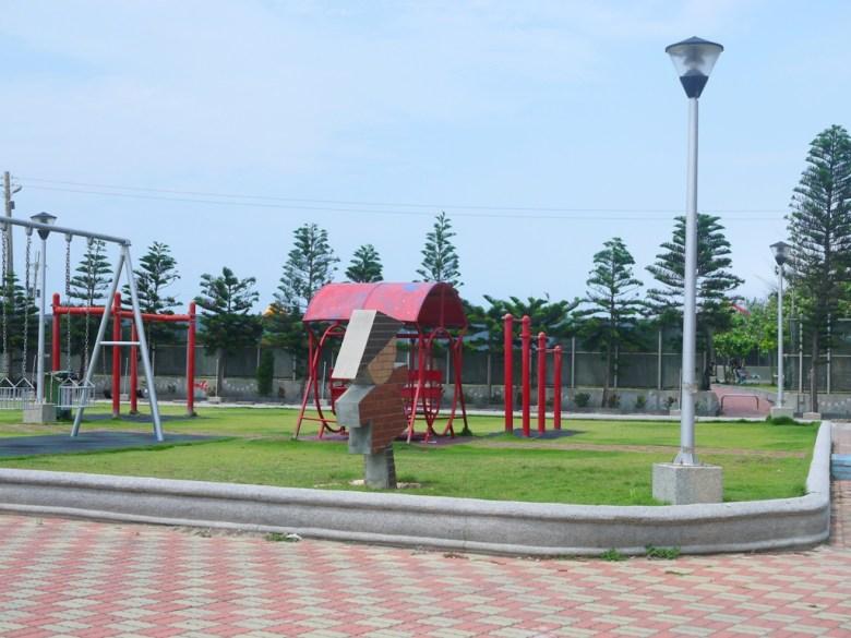 苑港濱海公園   免費洗手間、停車場   親子運動空間   ユエンリー   ミアオリー   RoundtripJp