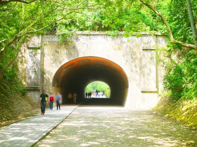 崎頂二號隧道 | 二號隧道全長67.48m | 壯闊而古老的老隧道 | チーディン | ジューナン | ミアオリー | 巡日旅行攝