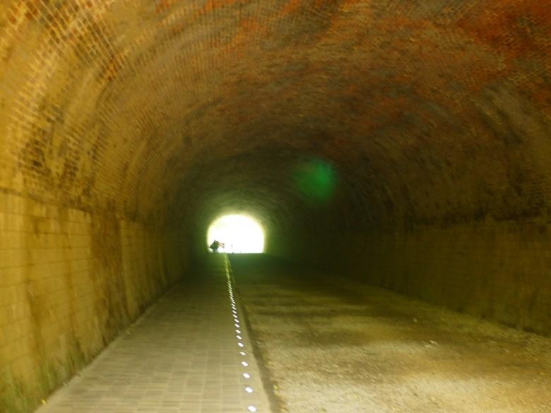 崎頂一號隧道內 | 台灣旅人 | チーディン | ジューナン | ミアオリー | 巡日旅行攝