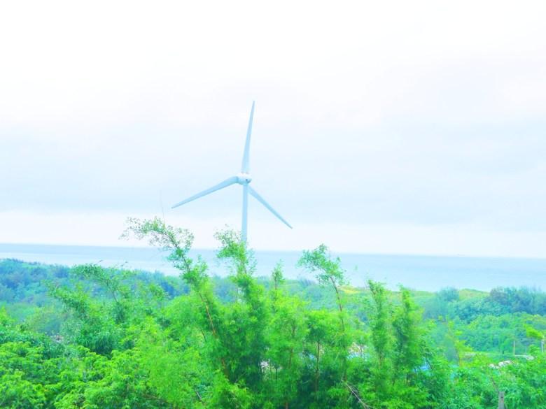 崎頂觀景台遠眺台灣美麗西海岸 | 風車 | 風力發電 | 風機 | 台灣海峽 | 絕美海景 | チーディン | ジューナン | ミアオリー | 巡日旅行攝