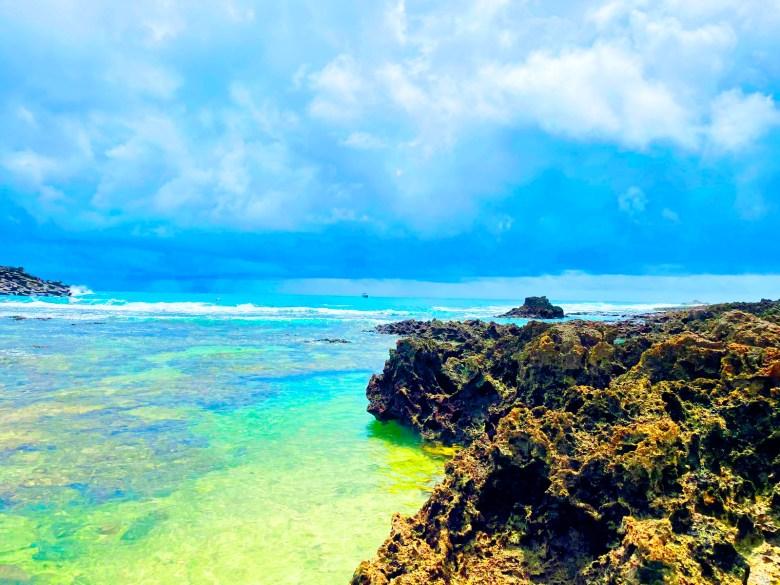 奇岩怪石的珊瑚礁岩 | 人群稀少 | 墾丁秘境 | ホンチュン | ピンドンけん | Hengchun | Pingtung | Wafu Taiwan | 巡日旅行攝 | RoundtripJp