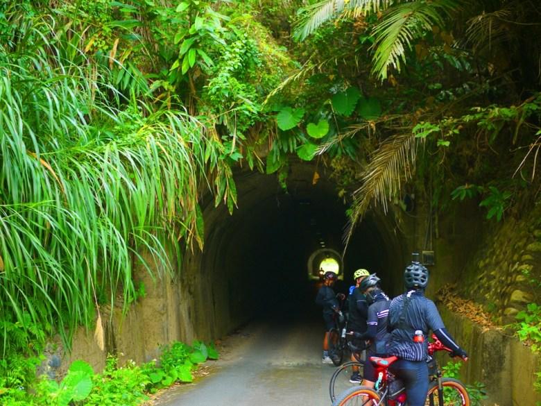 長青隧道前 | 此隧道較矮所以有高度限制3.5公尺 | 台灣旅人 | 單車旅遊 | ツァオトゥン | そうとん | ナントウ | 和風臺灣 | 巡日旅行攝 | RoundtripJp