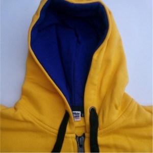 casaco hoody amarelo