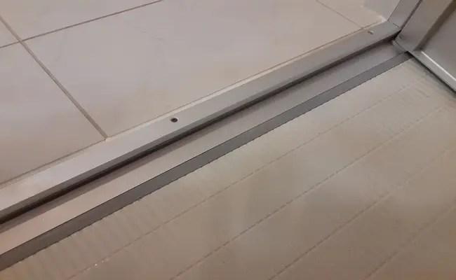 浴室 ドア 溝 掃除