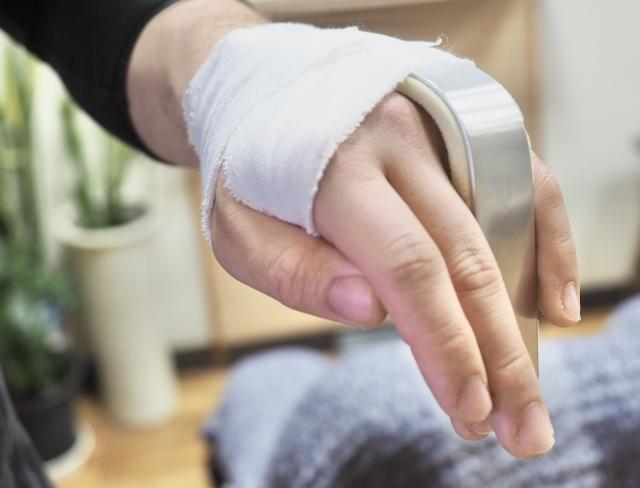 指が曲がらない後遺障害の労災