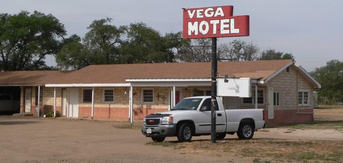 Vega_Motel_(Vega,_Texas)_NW_corner_from_NE_1