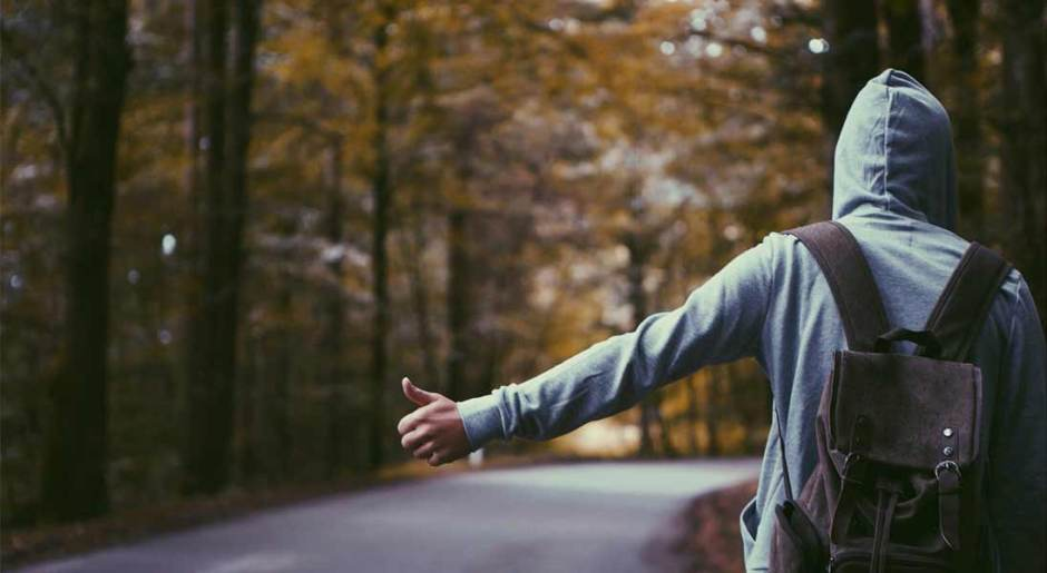 Why you should travel by hitchhiking sometimes