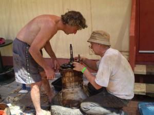 DSC_0047 Repairing Gearbox Mt. Isa 13-9-2008