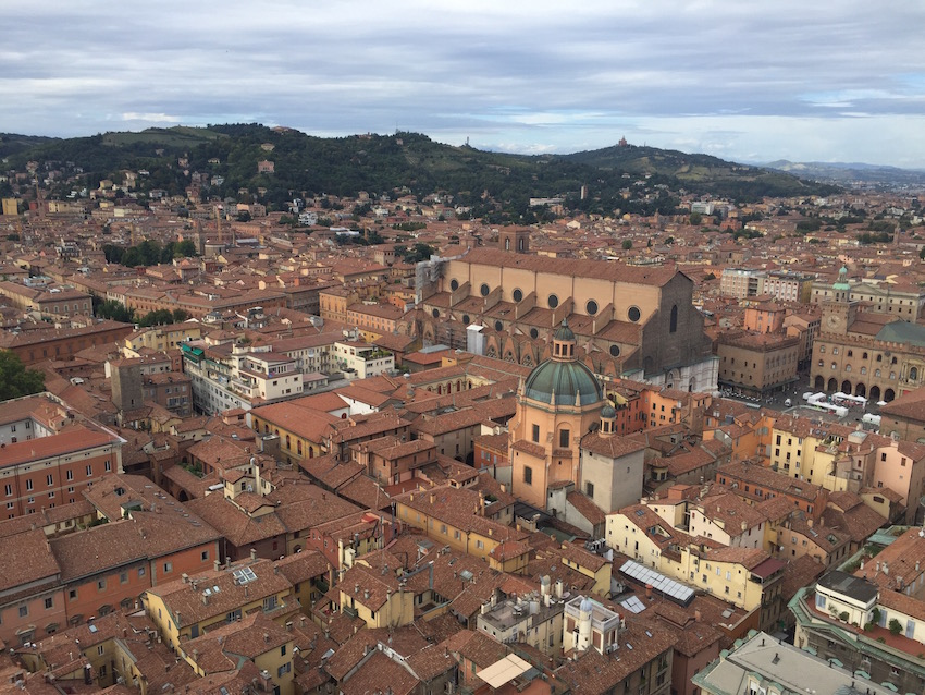 360 degree views from the top of the tower in Bologna, including the Basilica of San Petronio