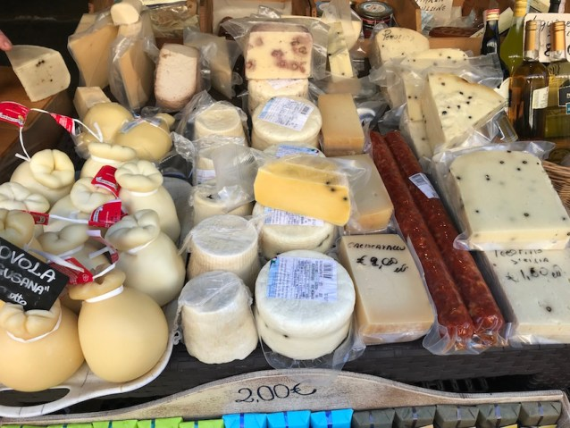 Ortigia_markets_cheese