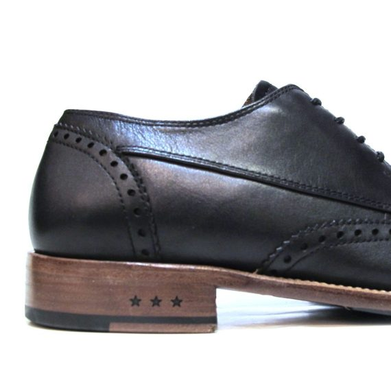 John-Varvatos-Waverly-wingtip-blk-5
